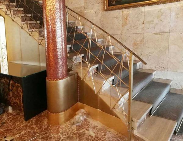 Corrimano in ottone, Hotel Papadopoli
